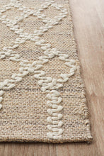 Load image into Gallery viewer, Hudson 805 Beige Rug