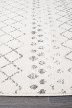 Load image into Gallery viewer, Oasis Selma White Grey Tribal Runner Rug