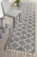 Load image into Gallery viewer, Saffron 22 Silver Runner Rug