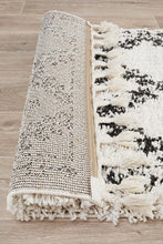 Load image into Gallery viewer, Saffron 33 White Runner Rug