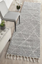 Load image into Gallery viewer, Saffron 44 Silver Runner Rug