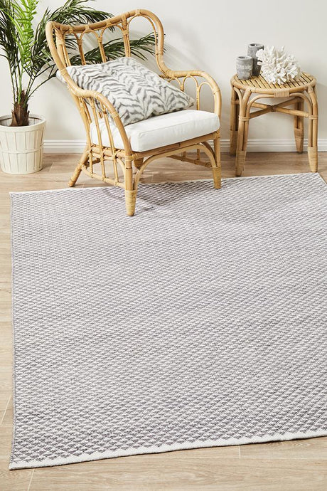 Spirit Finn Flat Woven Triangles Rug Grey