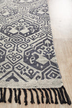 Load image into Gallery viewer, Zulu Totemic Tameless Black Rug