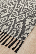 Load image into Gallery viewer, Zulu Totemic Convene Black Rug