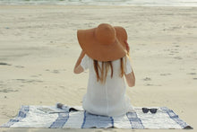 Load image into Gallery viewer, Linen Beach towel