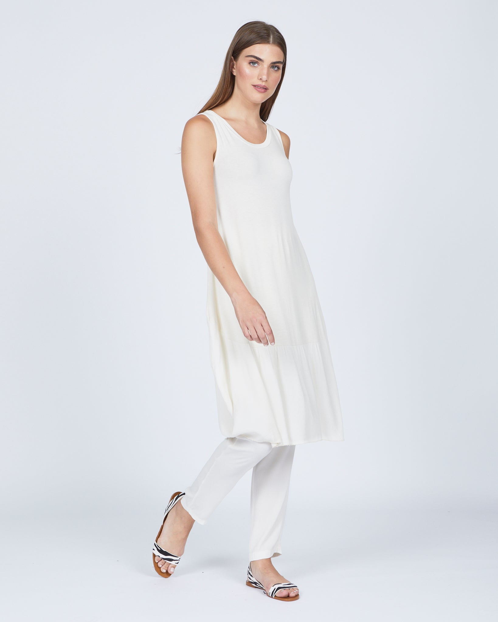 Sleeveless Visocose Dress w/ Crepe Hem