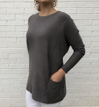 Load image into Gallery viewer, Soft Tunic Pocket Sweater