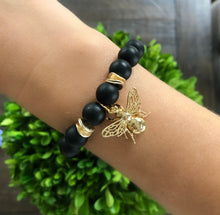 Load image into Gallery viewer, Bee charm bracelet