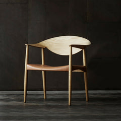 LM92T Metropolitan Chair Oak and Natural Saddle Leather by Larsen and Bender Madsen in Room Carl Hansen & Son