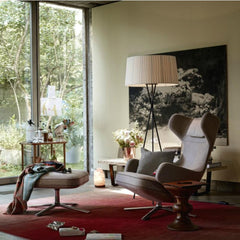 Santa and Cole Tripode Lamp in Room with Grand Repos by Antonio Citterio for Vitra