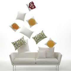Antonio Citterio Three Seater Classic Sofa White Pillows Vitra
