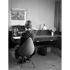 Arne Jacobsen Drop Chair Original 1950s Image Royal Copenhagen Hotel