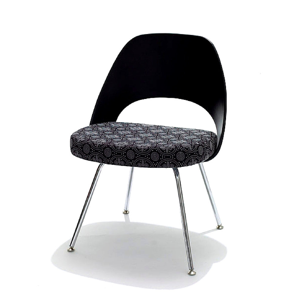Black Knoll Saarinen Executive Armless Chair with Plastic Back