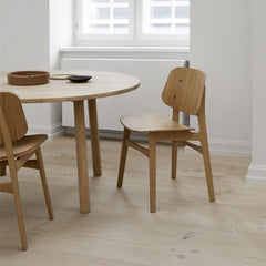 Oak Lacquered Søborg Chairs by Børge Mogensen with Jasper Morrison Taro Dining Table for Fredericia