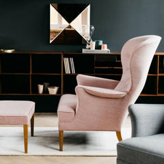 Frits Henningsen Heritage Chair Light Pink in Carl Hansen and Son London Showroom