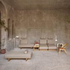 BM0865 Daybeds in living room with Contour Chair by Borge Mogensen for Carl Hansen and Son