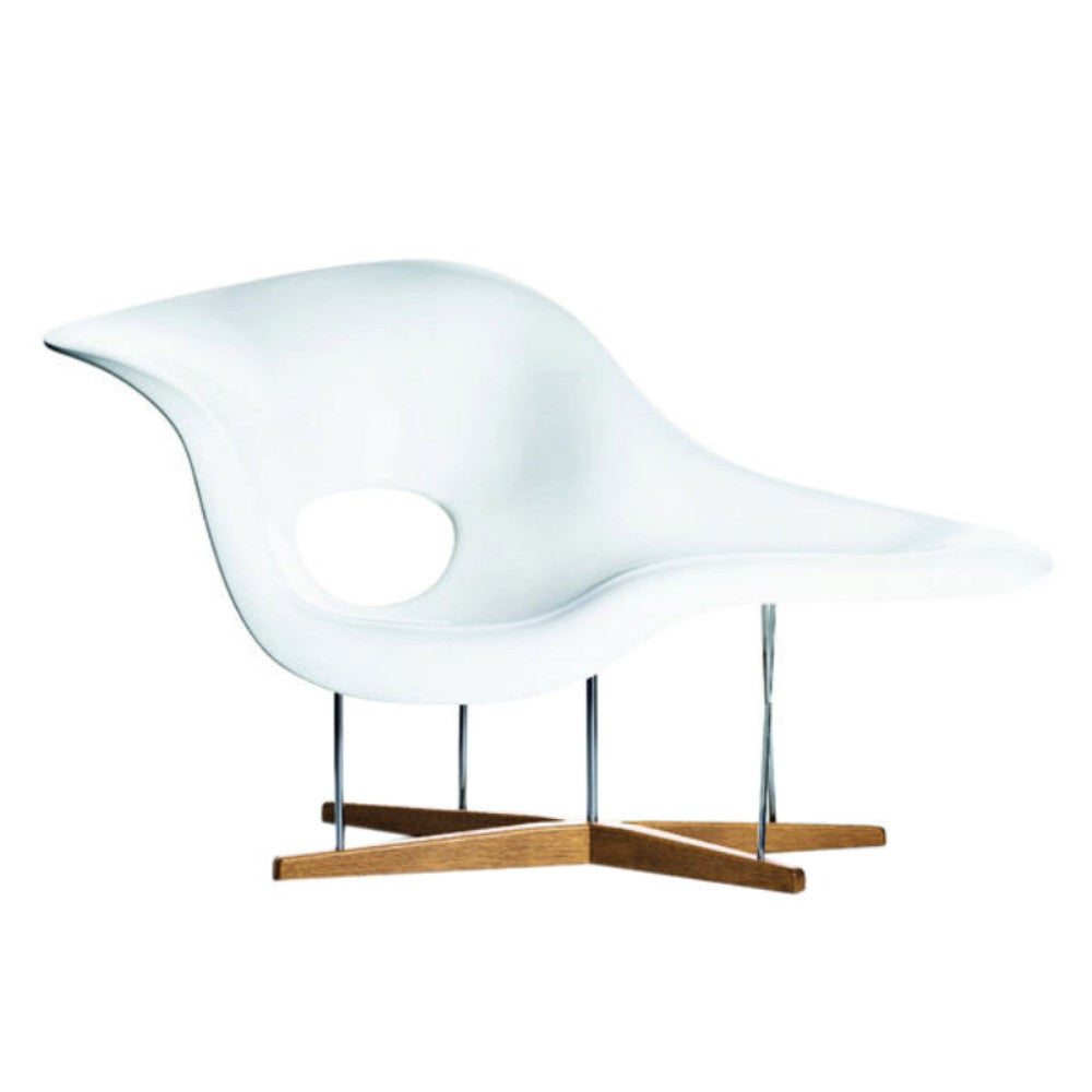 Charles and Ray Eames La Chaise White Closeup Vitra