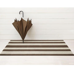 Chilewich Bold Stripe Doormat Pebble with Umbrella