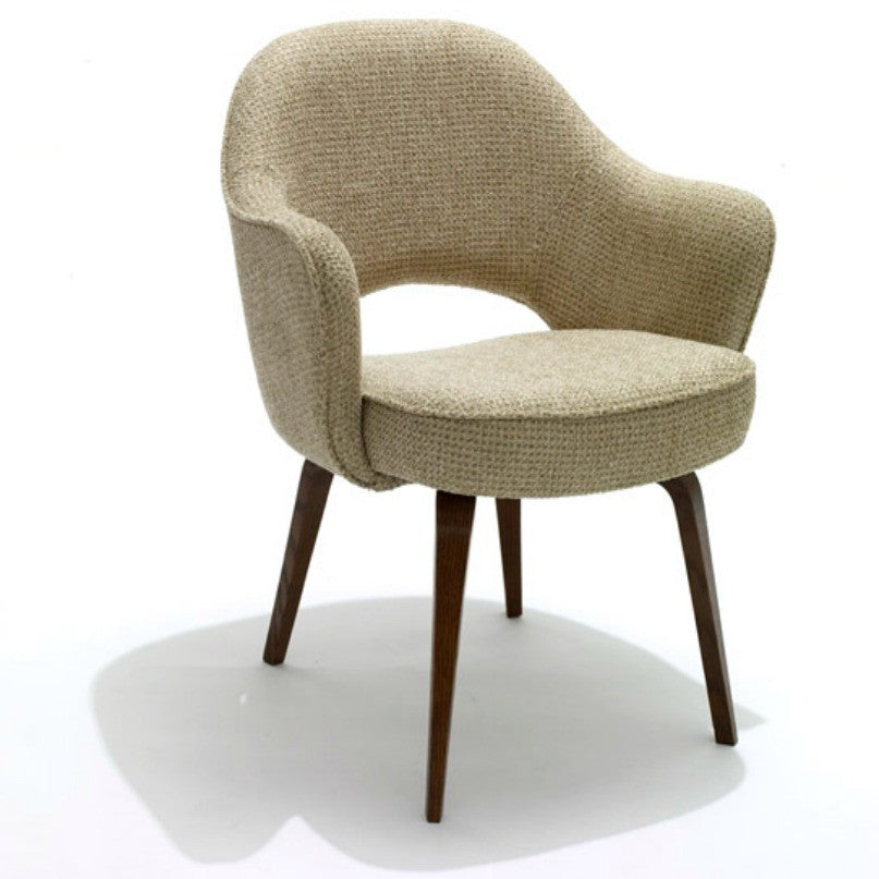 Saarinen Executive Arm Chair With Wood Legs Knoll Luxe Angled