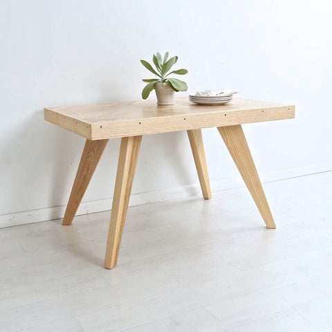 Fiskebein Table | Enkle Designs