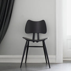 ercol Originals Butterfly Chair Black in situ