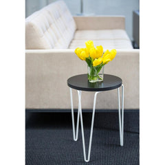 Florence Knoll Hairpin Table with Relaxed Sofa and Yellow Tulips