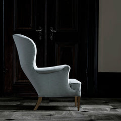 Frits Henningsen Heritage Chair FH419 Light Grey Profile in Room Carl Hansen & Son
