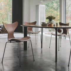 Fritz Hansen Model 3108 Lily Chairs with Analog Table