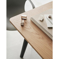 Fritz Hansen Pluralis Table
