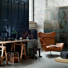 Fritz Hansen Oksen Chair by Arne Jacobsen in Elegance Leather Walnut in Room