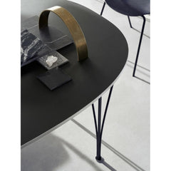 Fritz Hansen Super Elliptical Table Black top and Legs Detail