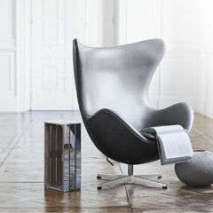 Grey Leather Egg Chair in Room Arne Jacobsen Fritz Hansen