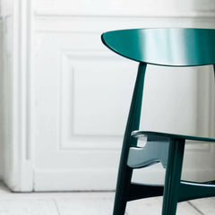 Carl Hansen and Son Wegner CH33 Dining Chair Green Lacquer Front Detail
