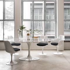 Knoll Oval Saarinen Dining Table with Tulip Chairs in Room