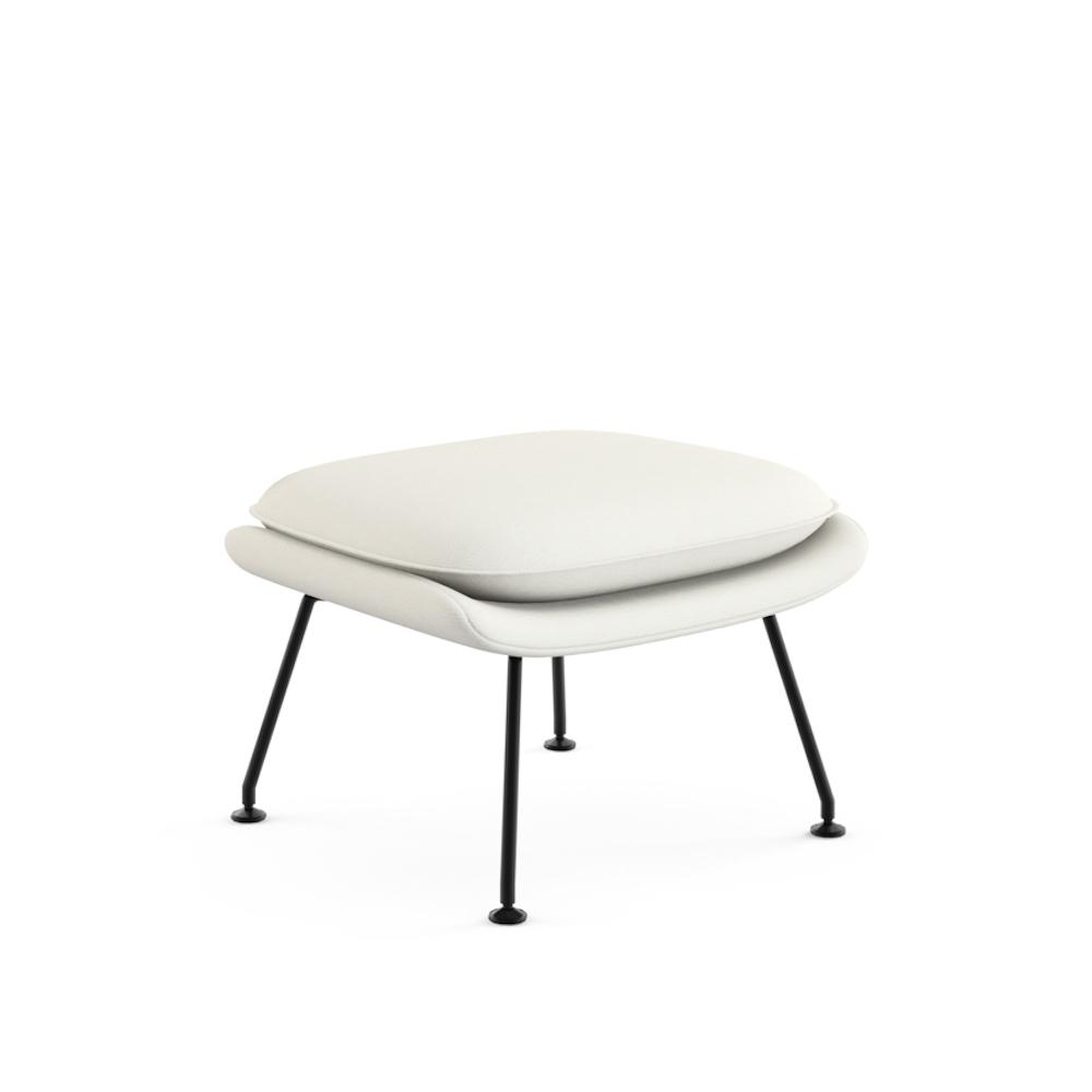 Knoll Saarinen Womb Ottoman White Vermeer with Black Base