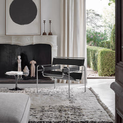 Knoll Wassily Chair by Marcel Breuer in Villa with Saarinen Side Table