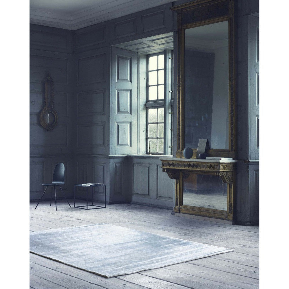 Linie Design Lucens Silver Rug In Room