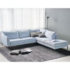 Luonto Sectional Sofa in Living Room