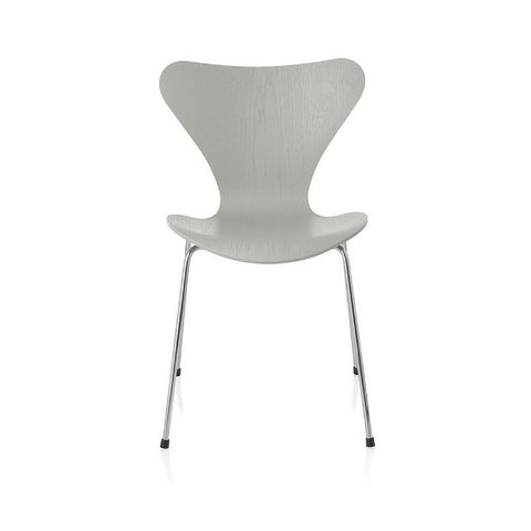 Fritz Hansen Series 7 Chair in Colors | Arne Jacobsen