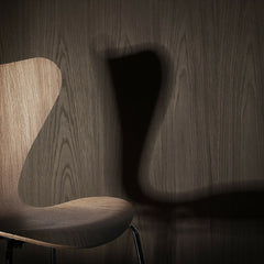 Oak Series 7 Detail with Shadow Arne Jacobsen Fritz Hansen