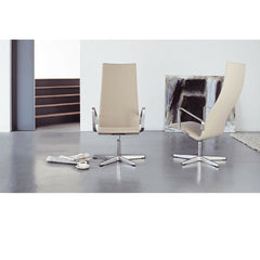 Highback Oxford Chairs in Living Room Fritz Hansen