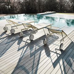 Richard Schultz 1966 Chaise Lounge Chairs From Behind Poolside Knoll Outdoors