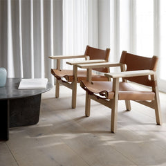 Tableau Coffee Table with Spanish Chair for Fredericia