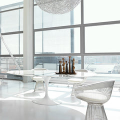 Knoll White Platner Arm Chairs with Saarinen Pedestal Table