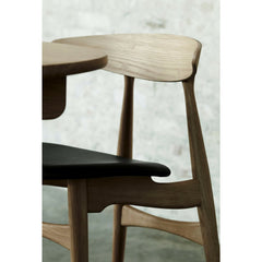 Wegner CH33 Chair Oak Black Leather in Room Carl Hansen & Son
