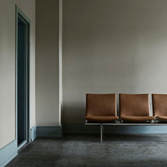 CH403 Wegner Airport Chairs in Situ