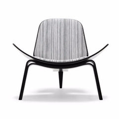 Wegner Shell Chair Black and White