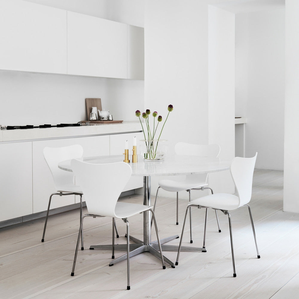 White Lacquer Series 7 Chairs In Kitchen