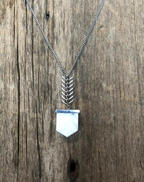Howlite Flat Bullet Necklace Silver