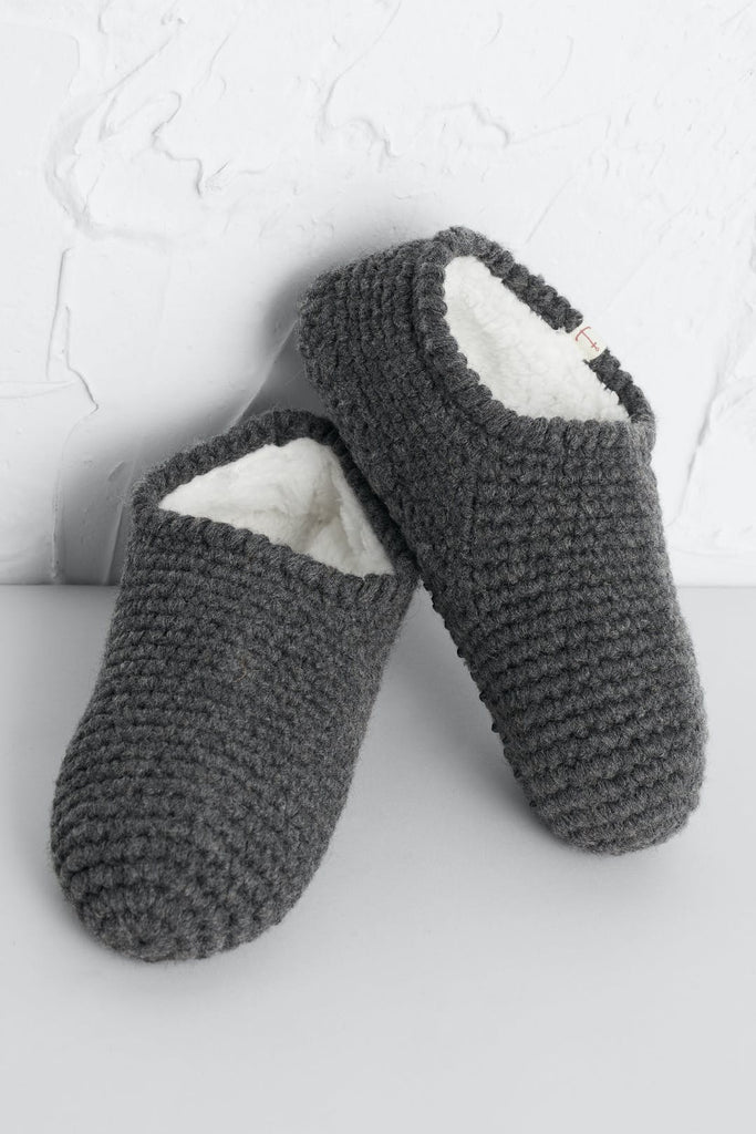 QUITE ROOM SLIPPER SOCKS
